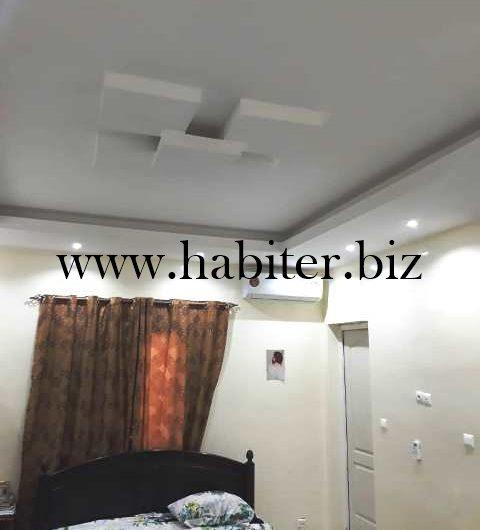Belle villa de 400m2 angle à vendre à Petit Mbao